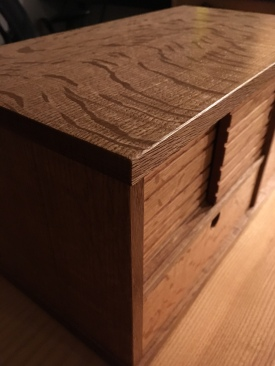 Mini Tansu - grain detail